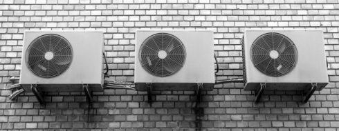 Qué dice la normativa instalación aire acondicionado en patio interior